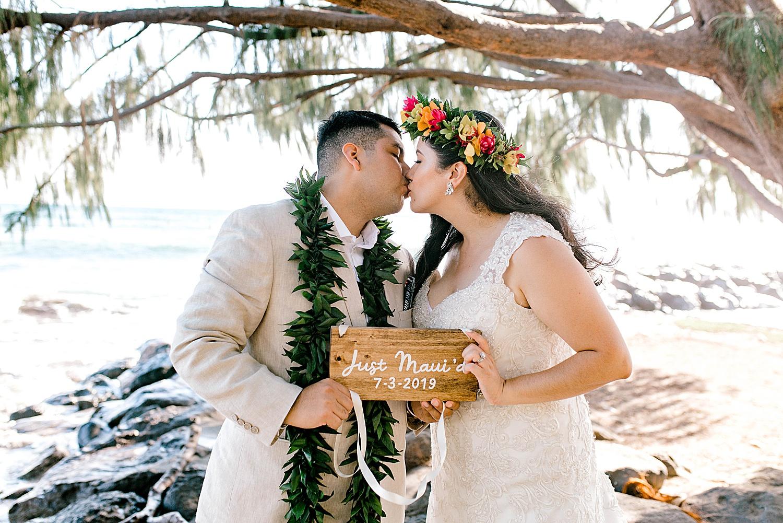 Maui-Wedding-Bride-and-Groom-Portraits-Launiupoko-Beach_0014.jpg