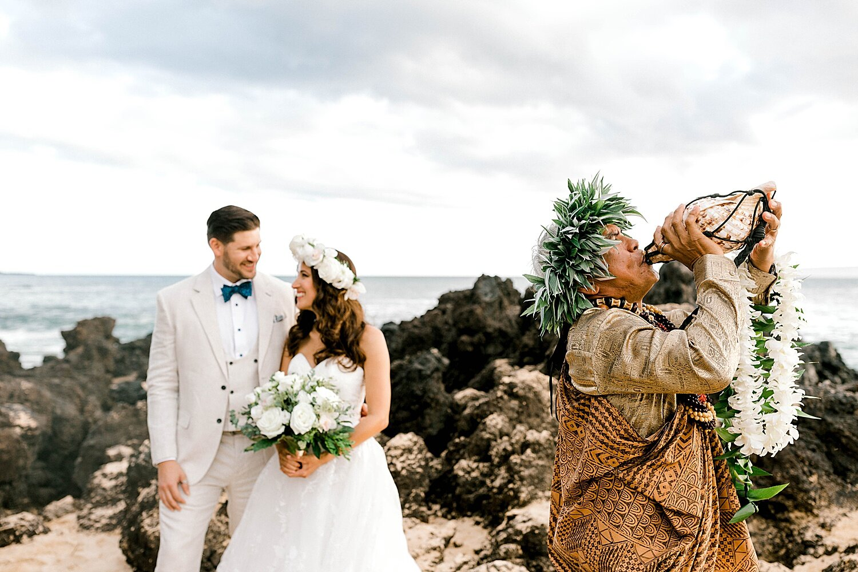 Makena-Cove-Maui-Elopement-Photographer_0002.jpg