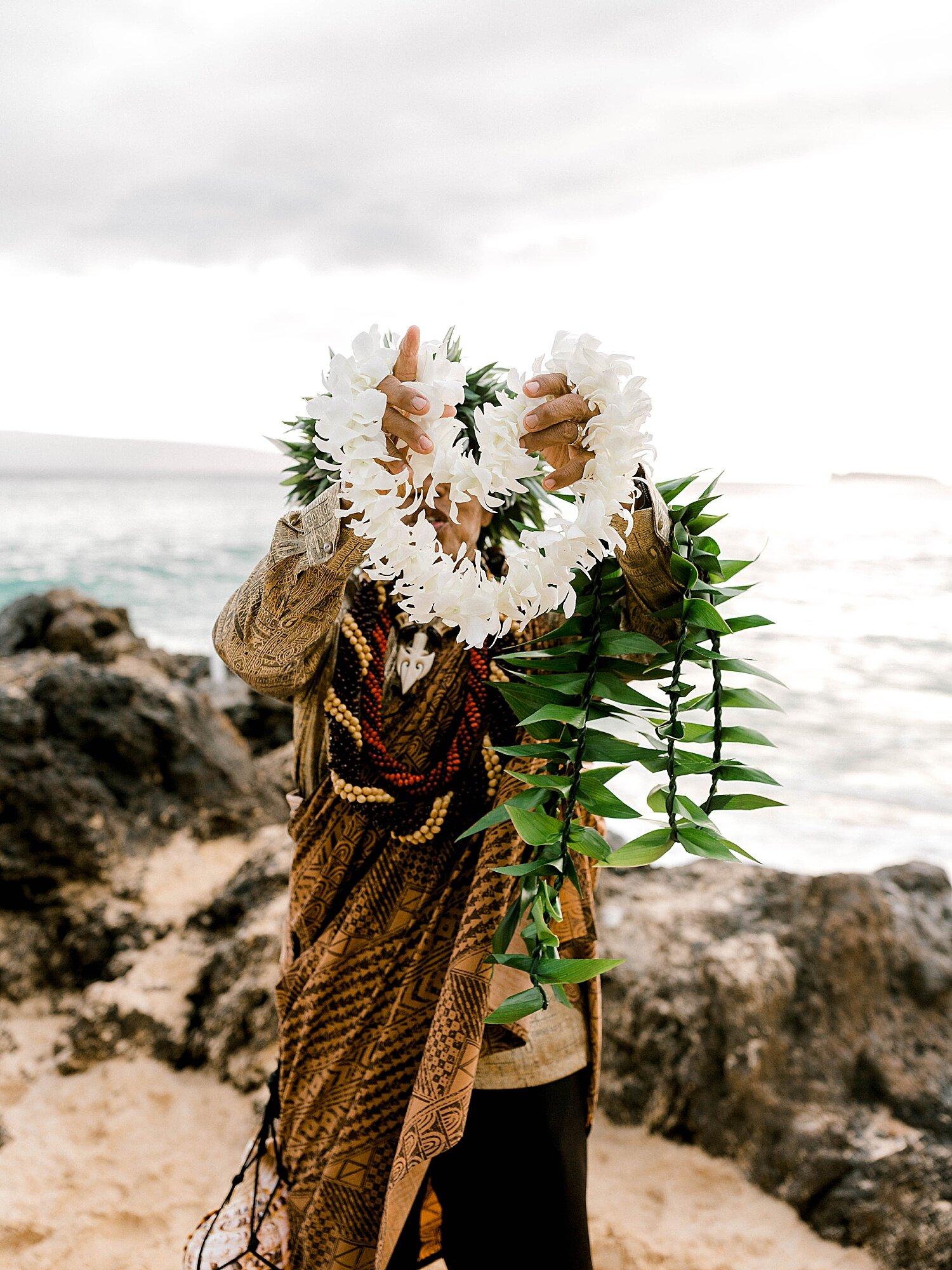 Makena-Cove-Maui-Elopement-Photographer_0004.jpg