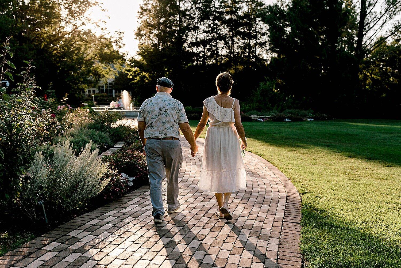 Maui-Destination-Photographer-Riverside-Gardens-Youngstown-Ohio-Anniversary-Photography_0015.jpg