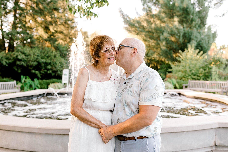 Maui-Destination-Photographer-Riverside-Gardens-Youngstown-Ohio-Anniversary-Photography_0016.jpg
