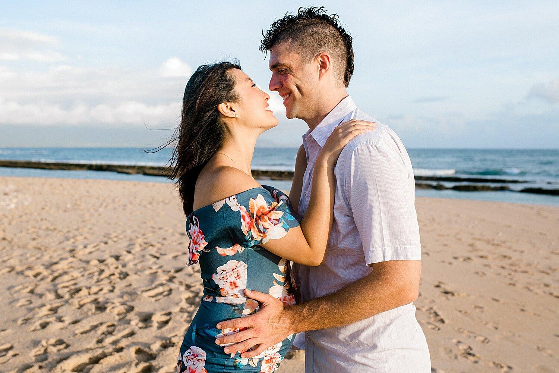 Maui-Babymoon-Photographer-Baldwin-Beach-Maui_0039.jpg
