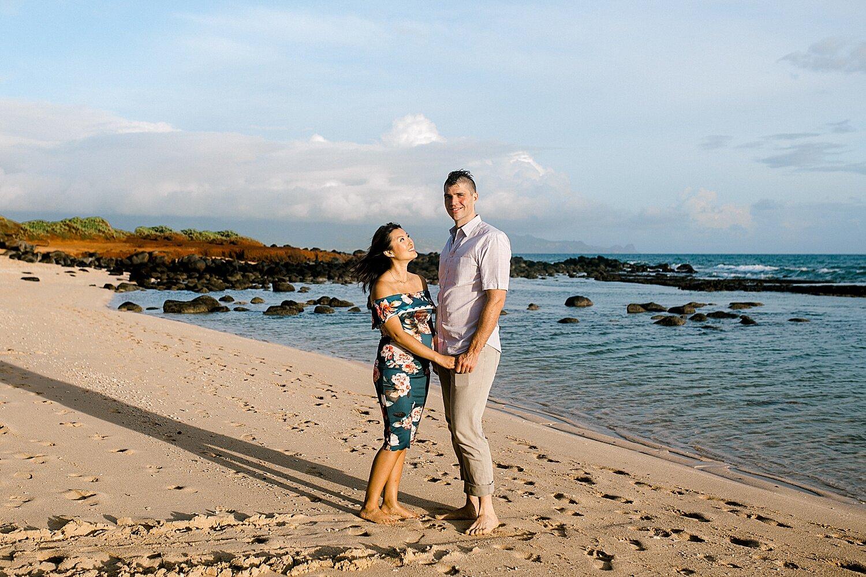 Maui-Babymoon-Photographer-Baldwin-Beach-Maui_0043.jpg