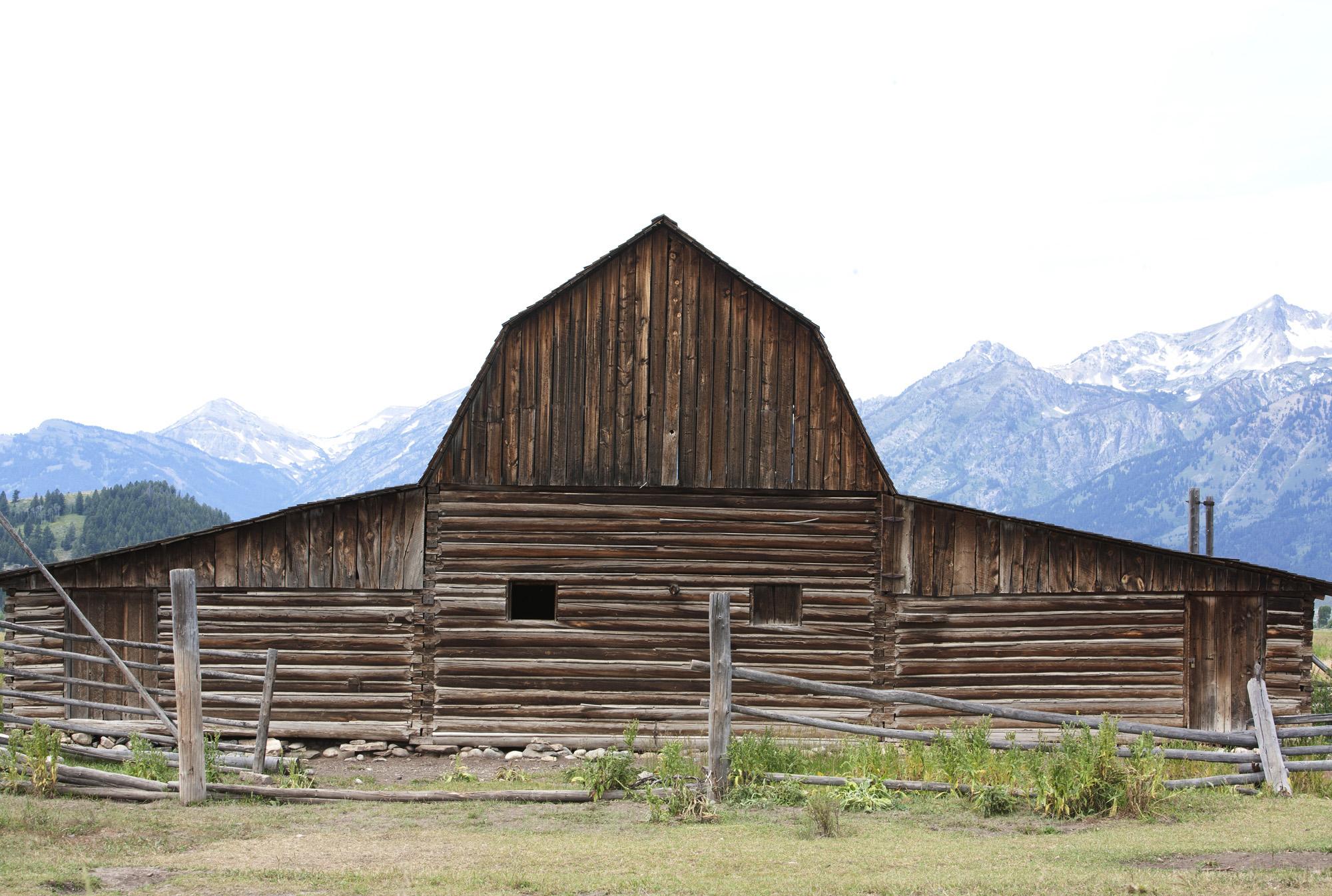 ss 2000 new-jackson-hole-barn.jpg