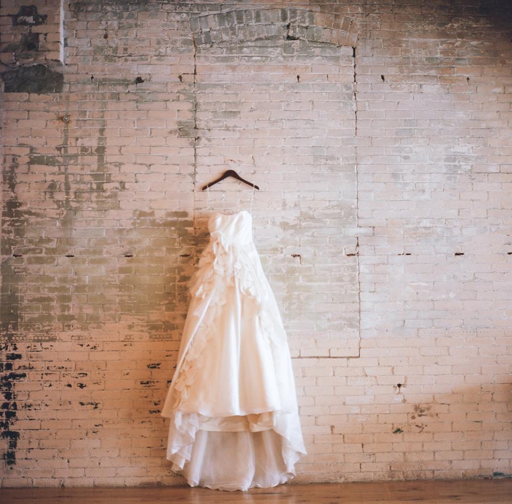 creative_natural_light_wedding_photographer_team.jpg