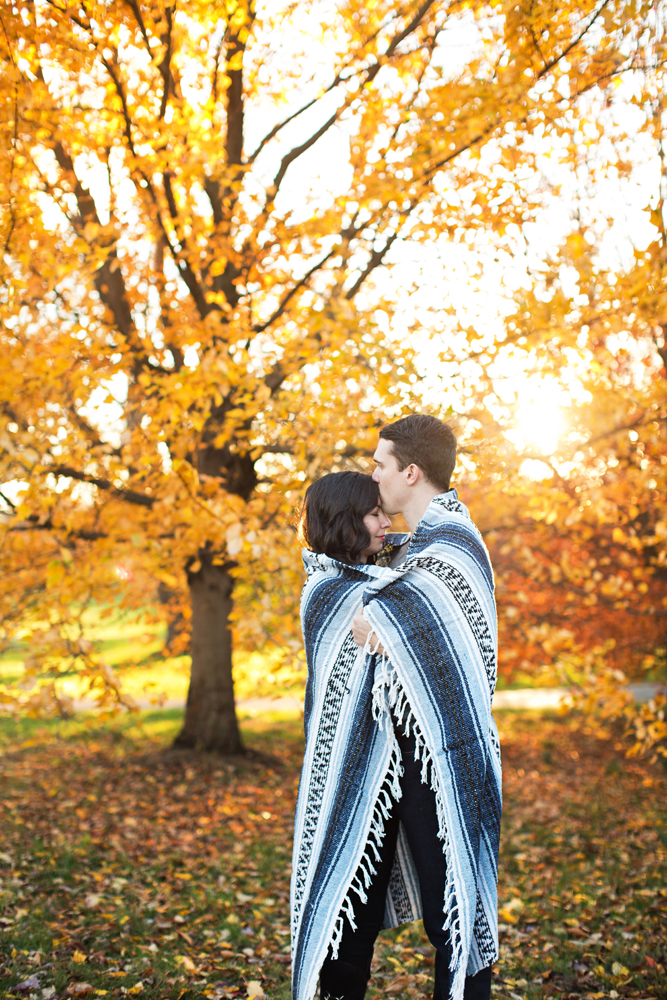 fall_engagement_session_louisville.jpg