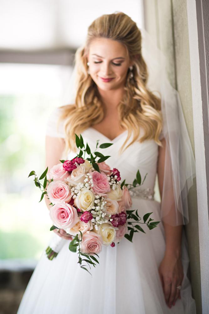 classic_wedding_photographer_louisville_natural_light.jpg
