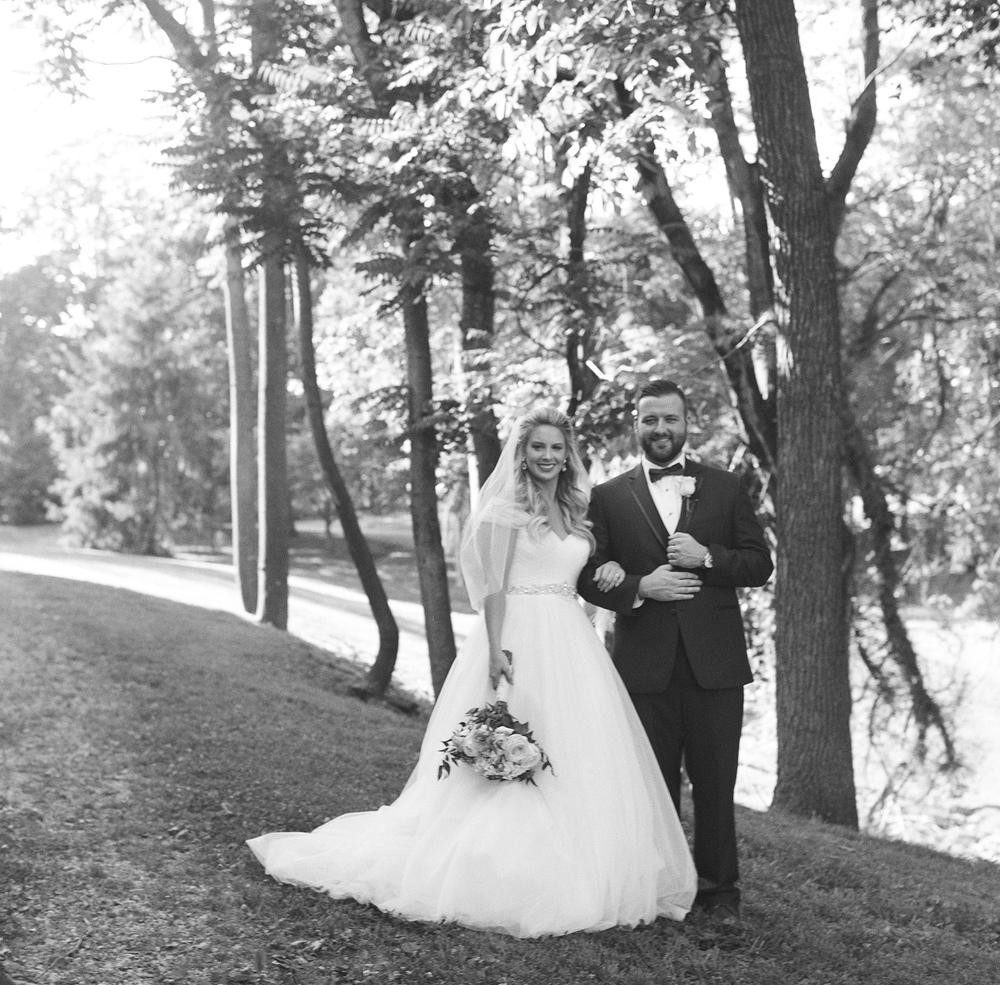 kind_encouraging_authentic_wedding_photographers.jpg