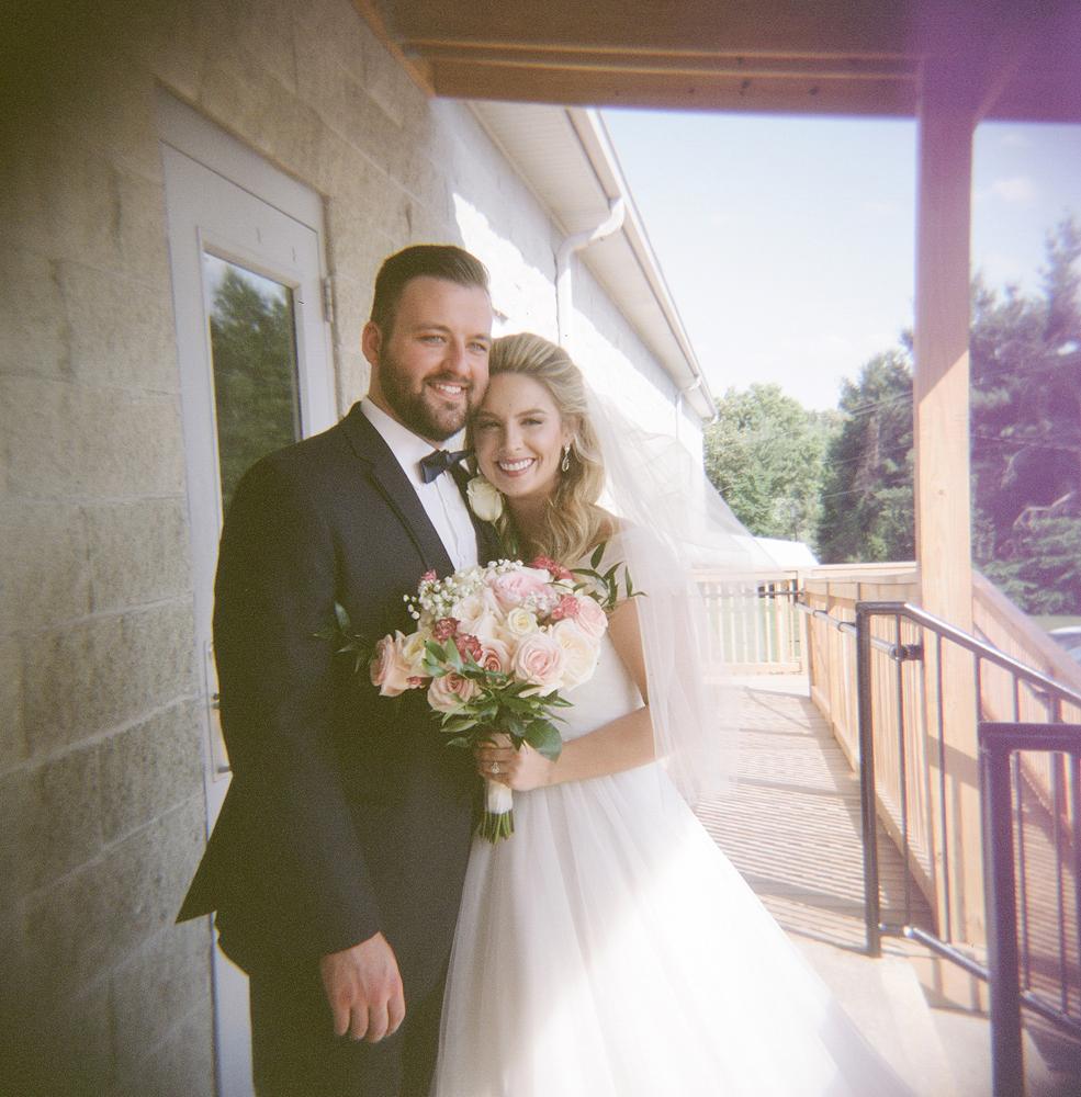 kind_encouraging_wedding_authentic_photographers.jpg