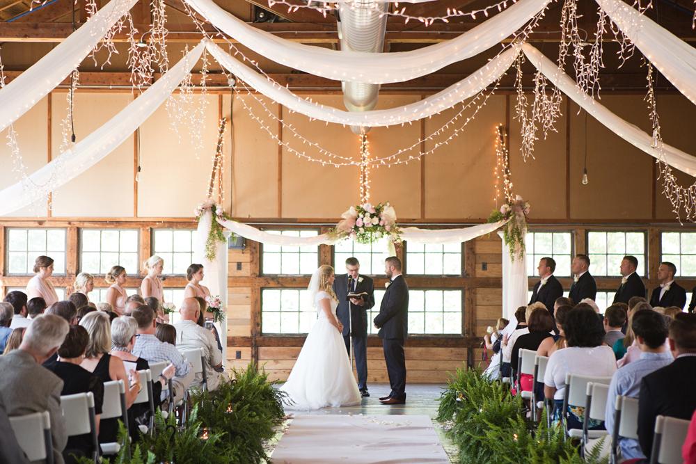 kind_encouraging_wedding_photographers_personal.jpg