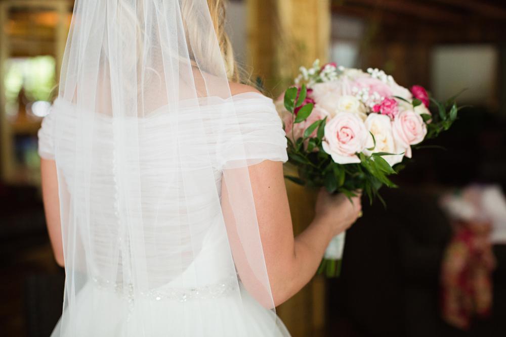 kind_encouraging_wedding_photographers.jpg