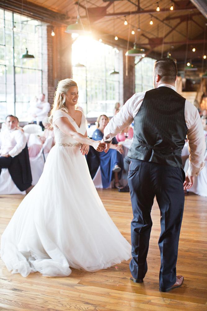 natural_light_classic_wedding_photographer_louisville.jpg