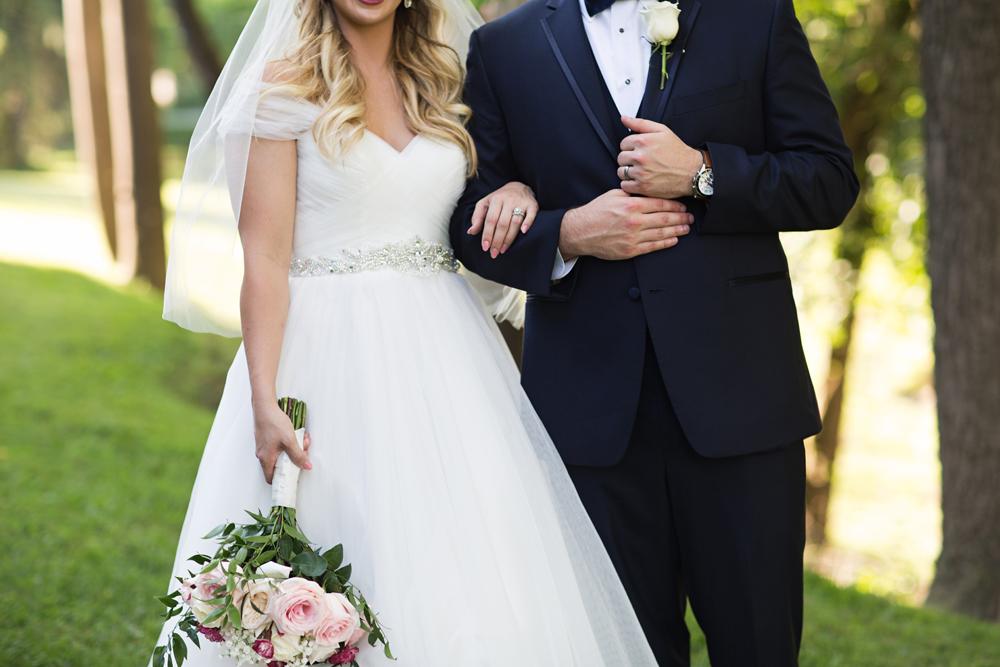 natural_light_wedding_photographer_louisville.jpg