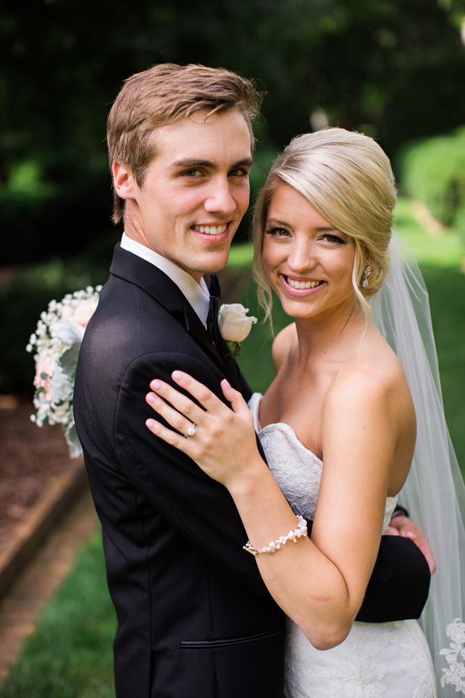 encouraging_personal_wedding_photographer.jpg