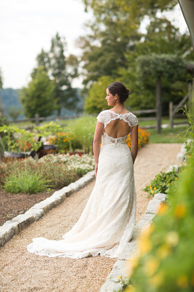 artful_private_farm_wedding_photography.jpg