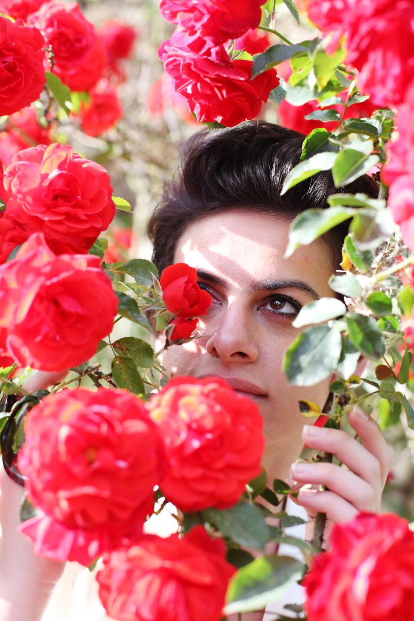 elena-levon-luana-thomas-photography-design-media-spa-cori-italy-latina-ninfa-gardens-dolce-vita-dolce-gabbana-vespa-be-italian-style-photoshoot-07.jpg