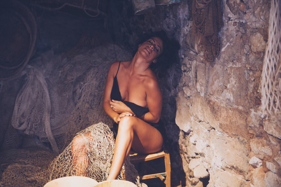 elena-levon-sicily-italy-photoshoot-photography-unique-godfather-malena-italian-la-dolce-vita-photographer-actress-art-off-the-beaten-path-travel-around-the-world-nomad-solo-woman-girl-natural-beauty-8.jpg