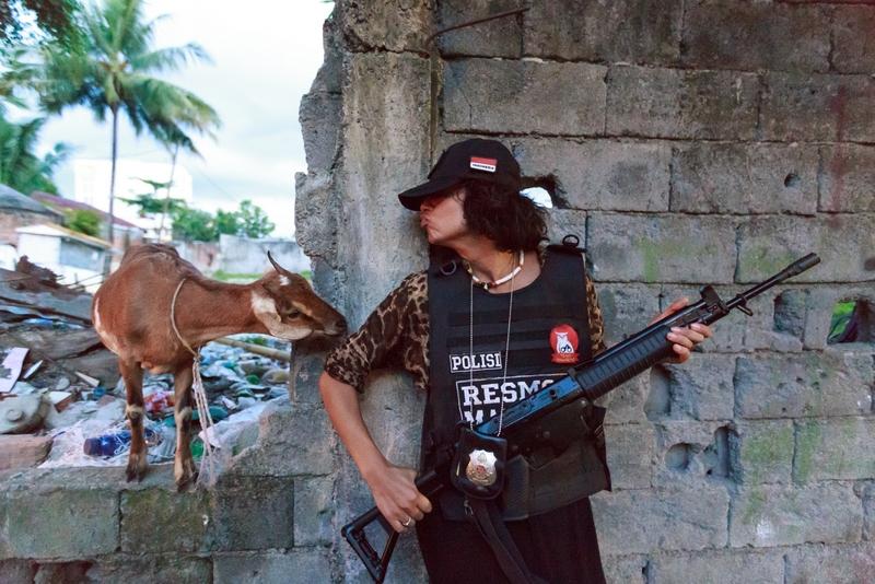 goat_guard_lihaga_island_manado_sulavesi_indonesia_beach_cleaning_dimi_kash_elena_levon_800_534.jpg