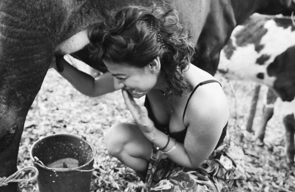 elena-levon-milk-nicaraguan-finca-farm-1.jpg