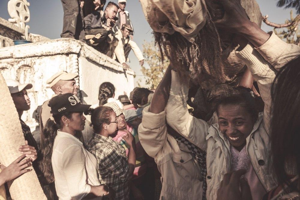 famadihana-madagascar-turning-of-the-bones-tribe-culture-elena-levon-explorer-extreme-adventures-travel.jpg
