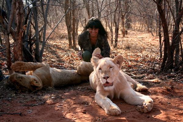 livingstone_zambia_elena_levon_walking_with_lions_05.jpg