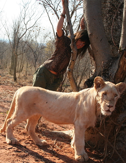 livingstone_zambia_elena_levon_walking_with_lions_22.jpg
