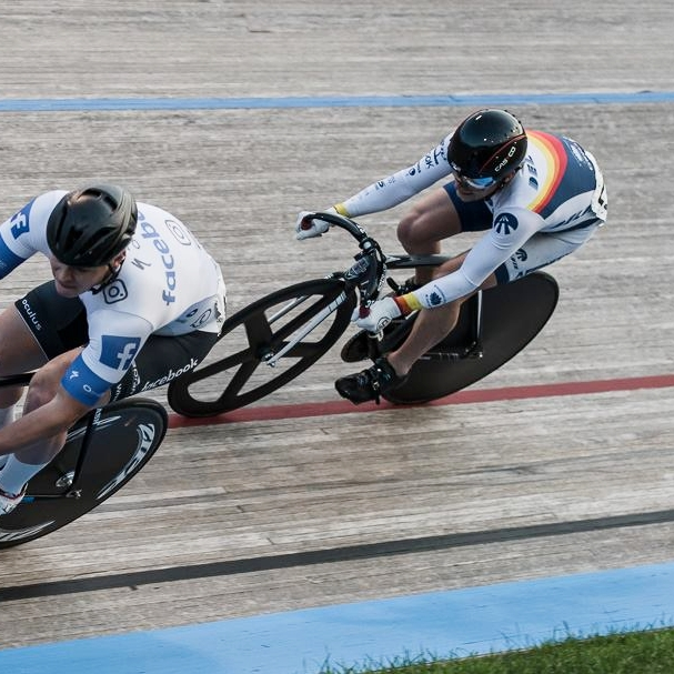 Mark about to overtake in his match sprint at the NSC Velodrome 2017  Photo by Lisa Lardy