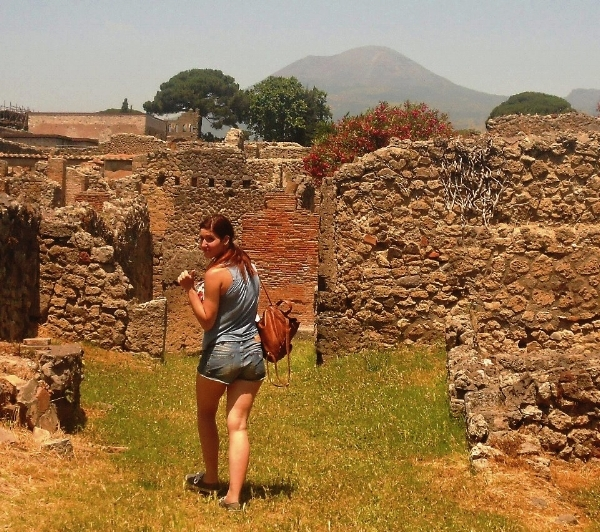 Day trip to pompeii