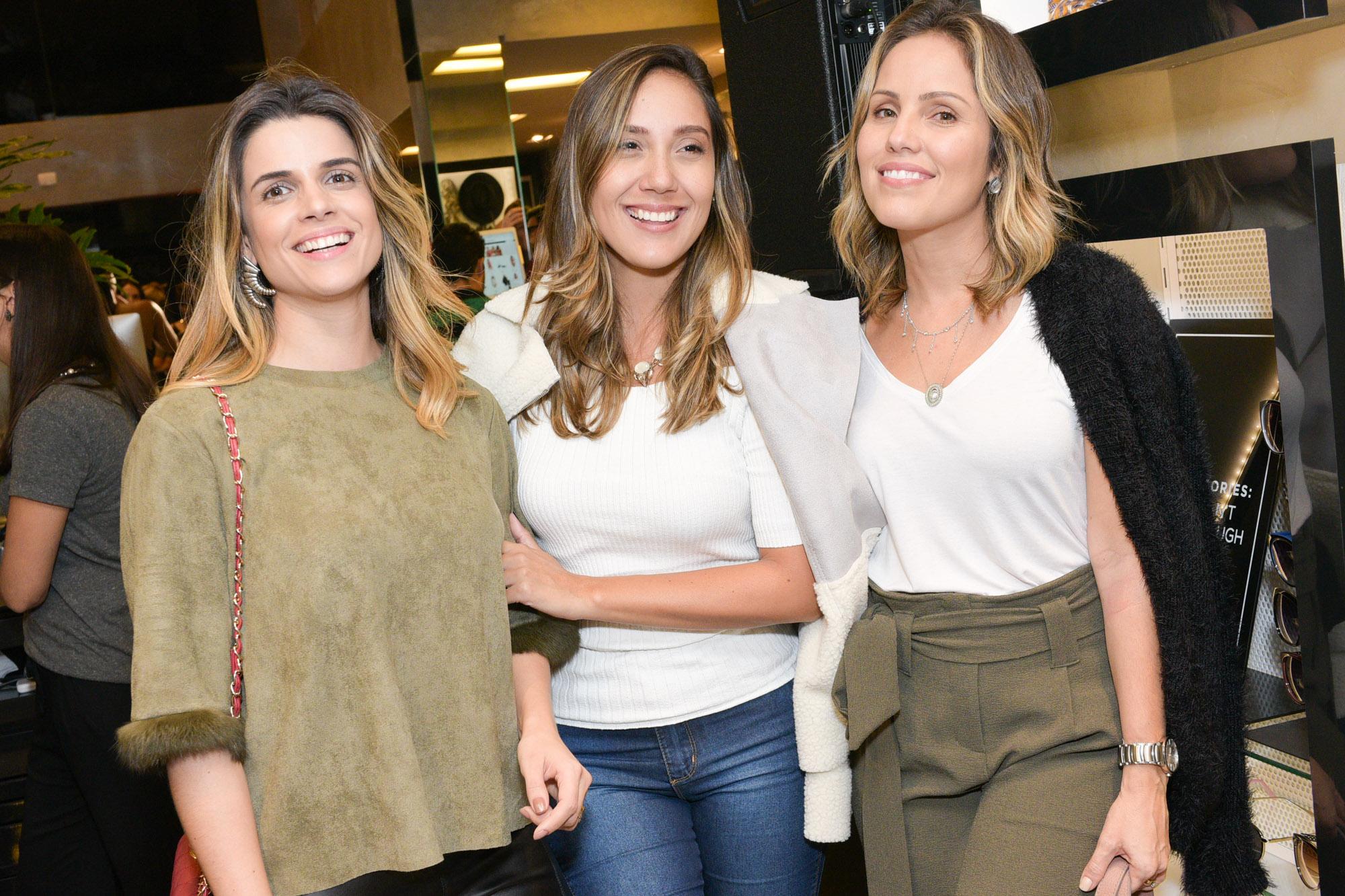 Mel Galhargo, Camila Gaio e Chris Castro