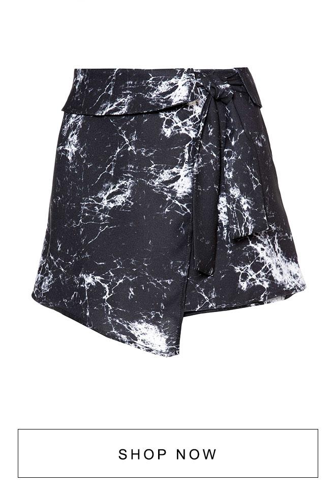 Short saia na estampa mármore AMARO
