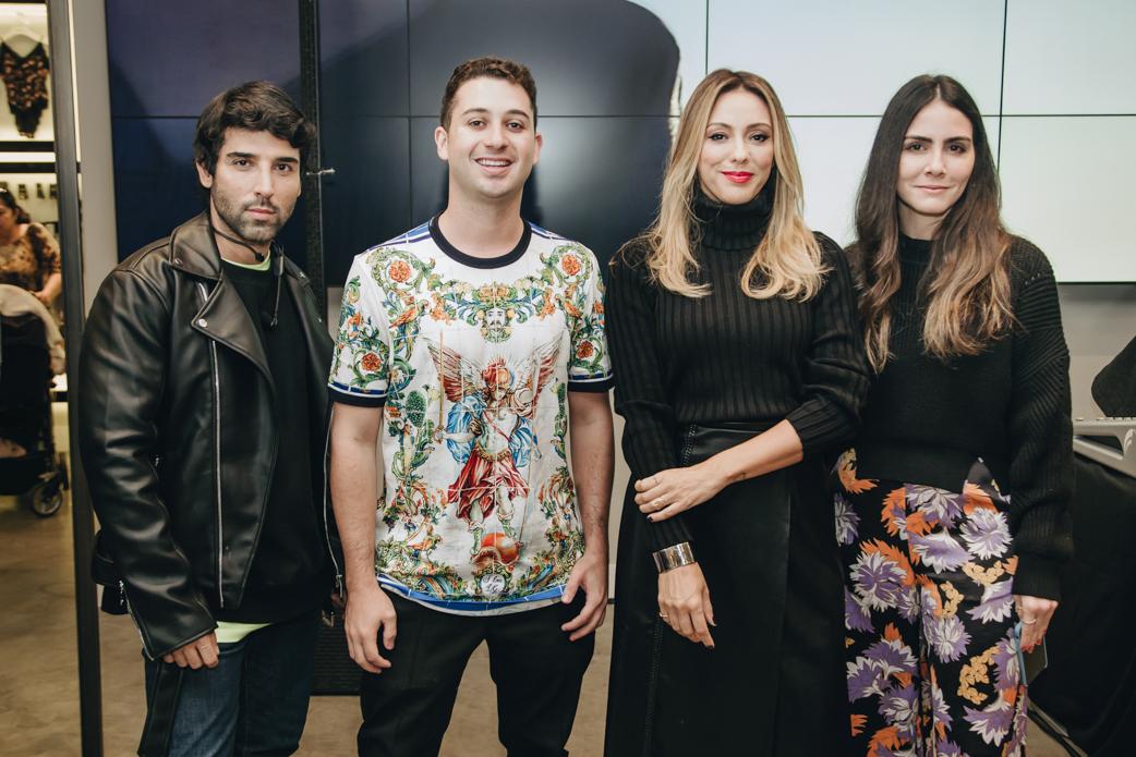 Rodrigo Costa, Juan Moraes, Camila Garcia e Camila Assreuy