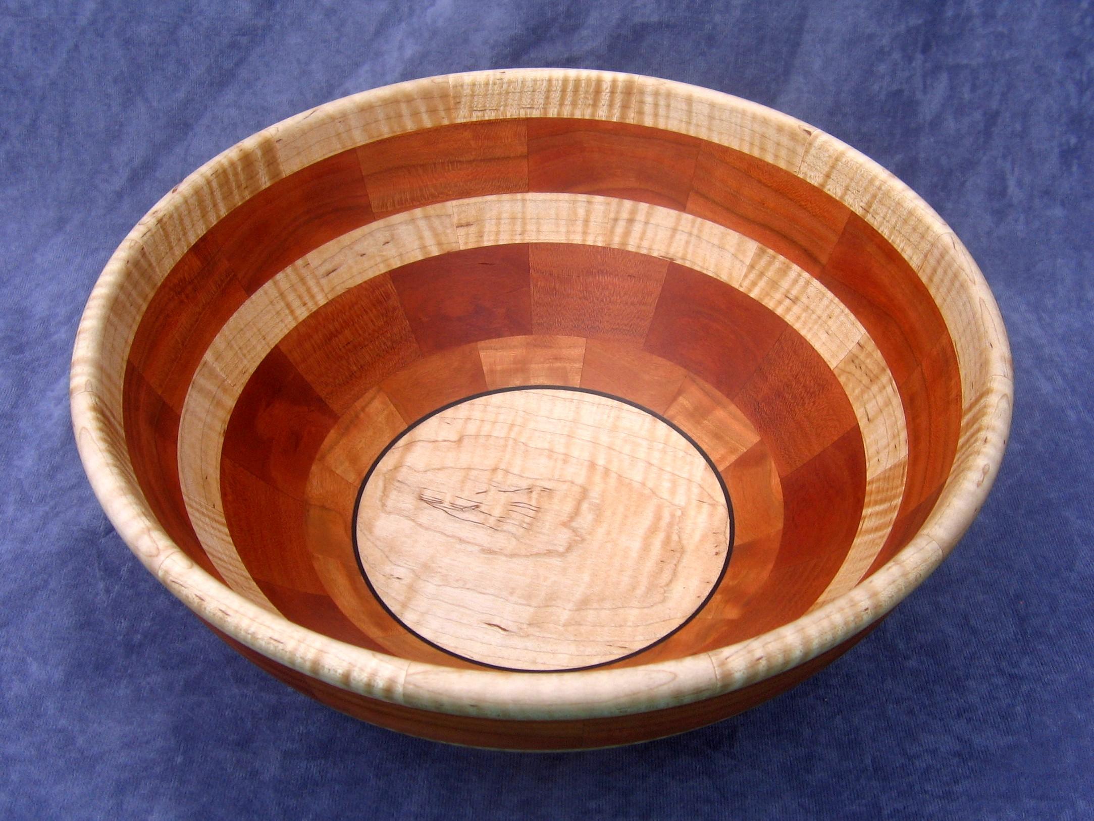 Segmented salad bowl