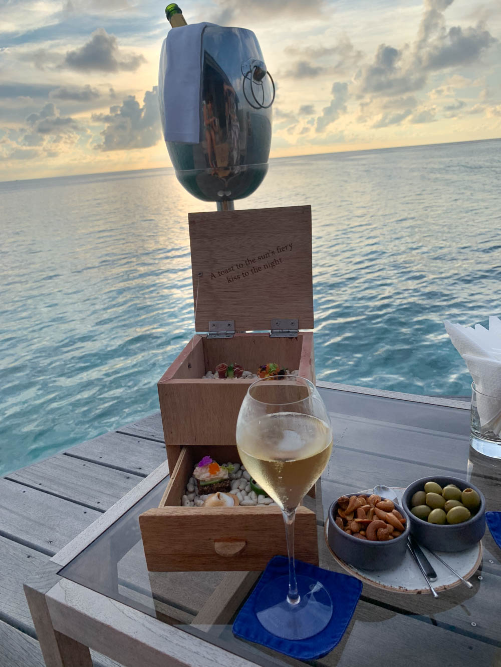 Maldives_Resort_Honeymoon_Hurawalhi_MaldivesTravelAdvisor-25.jpg