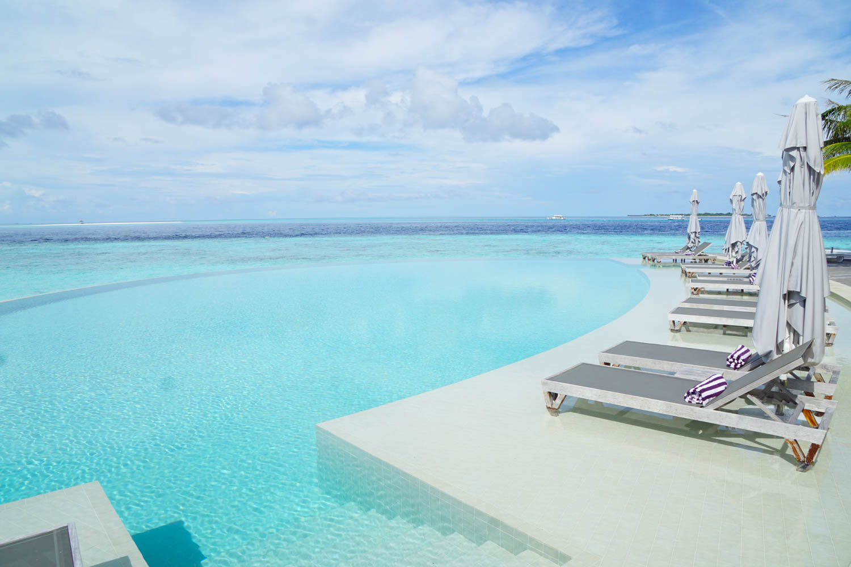Maldives_Resort_Honeymoon_Hurawalhi_MaldivesTravelAdvisor-13.jpg