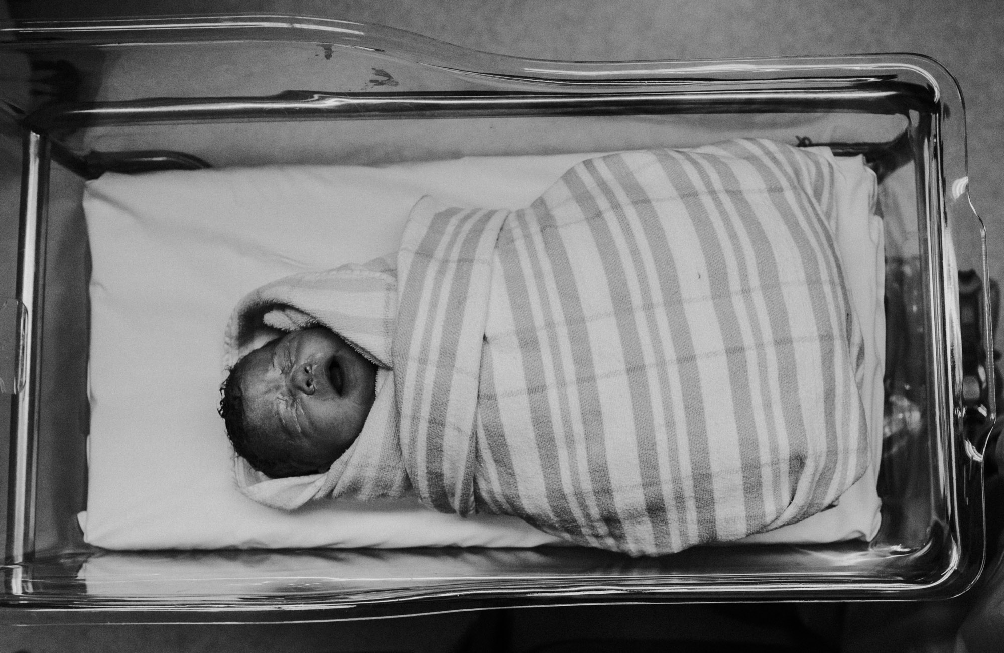 justine-curran-newborn-birth-photography-23.jpg