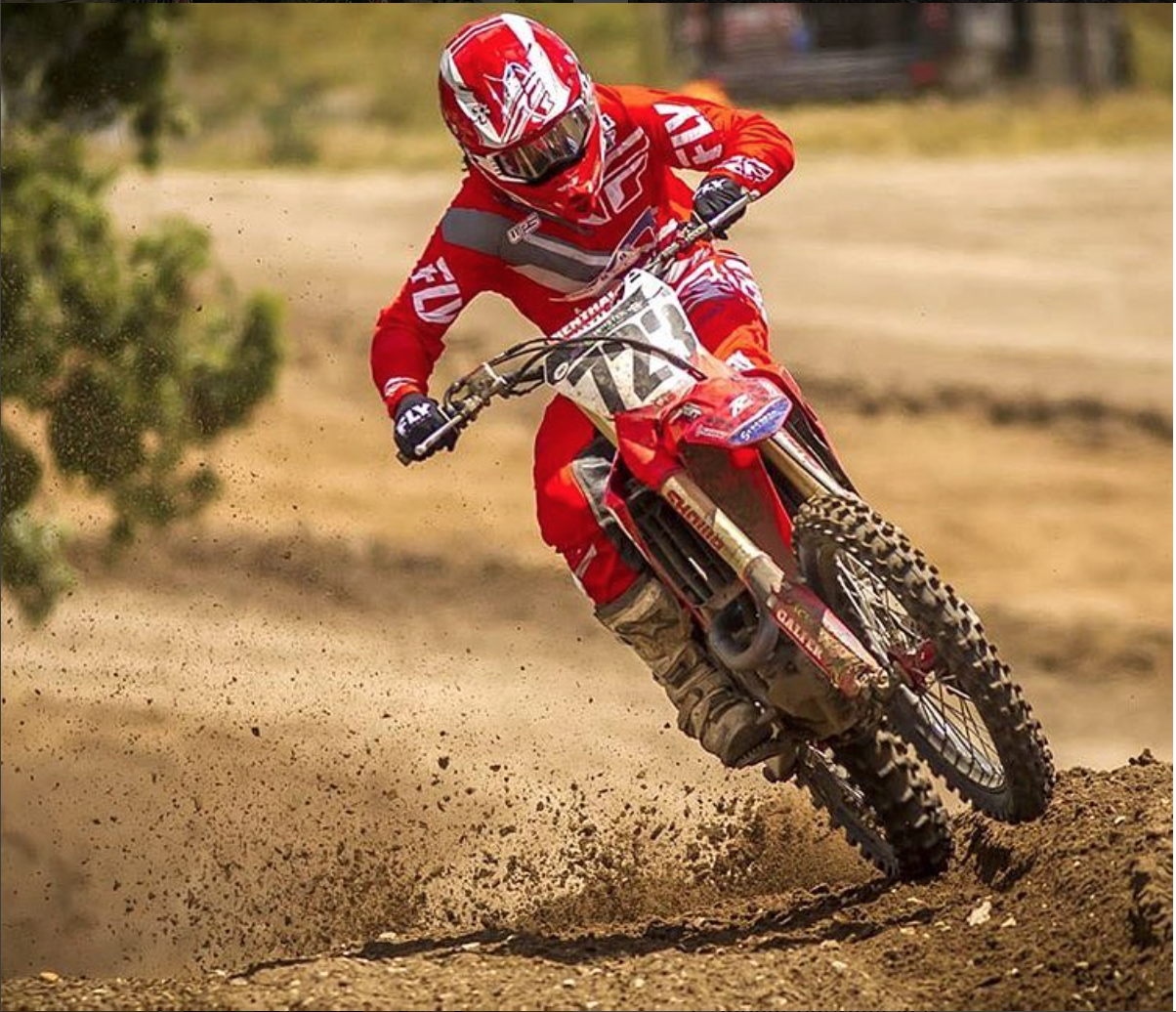 Tyler Enticknap has seen a huge improvement in his injury recovery and race craft thanks to Taylor and his support. The benefits of a well approached plan and conditioning are invaluable to a top level racer. P/C  @szumski_photography
