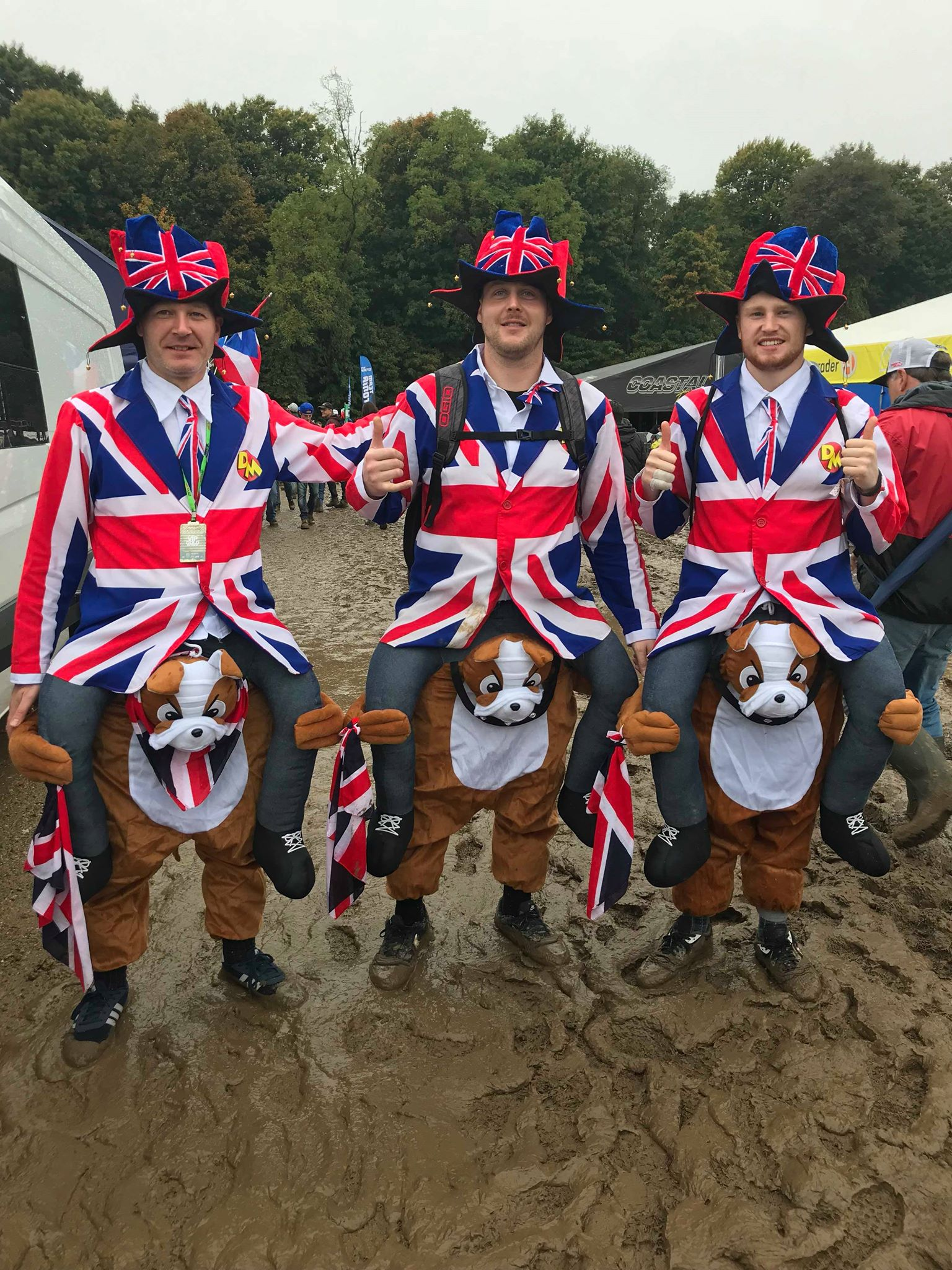 National pride was in full display at the MXDN. From countries far and wide, there wasn't a shortage of costumes, flags, and of course chainsaws.