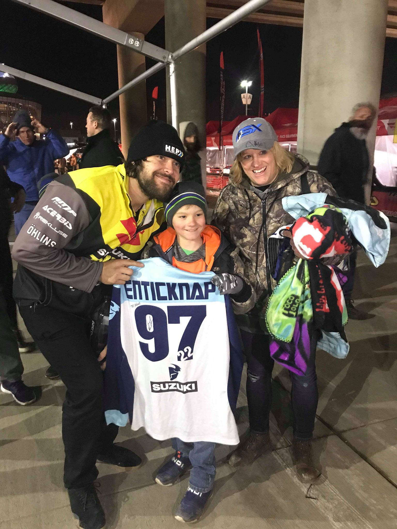 TCE rider Adam Enticknap gifts a signed jersey to one of our program goers and completely made his day in Denver, CO. How could you not love spending the day with your favorite rider?!