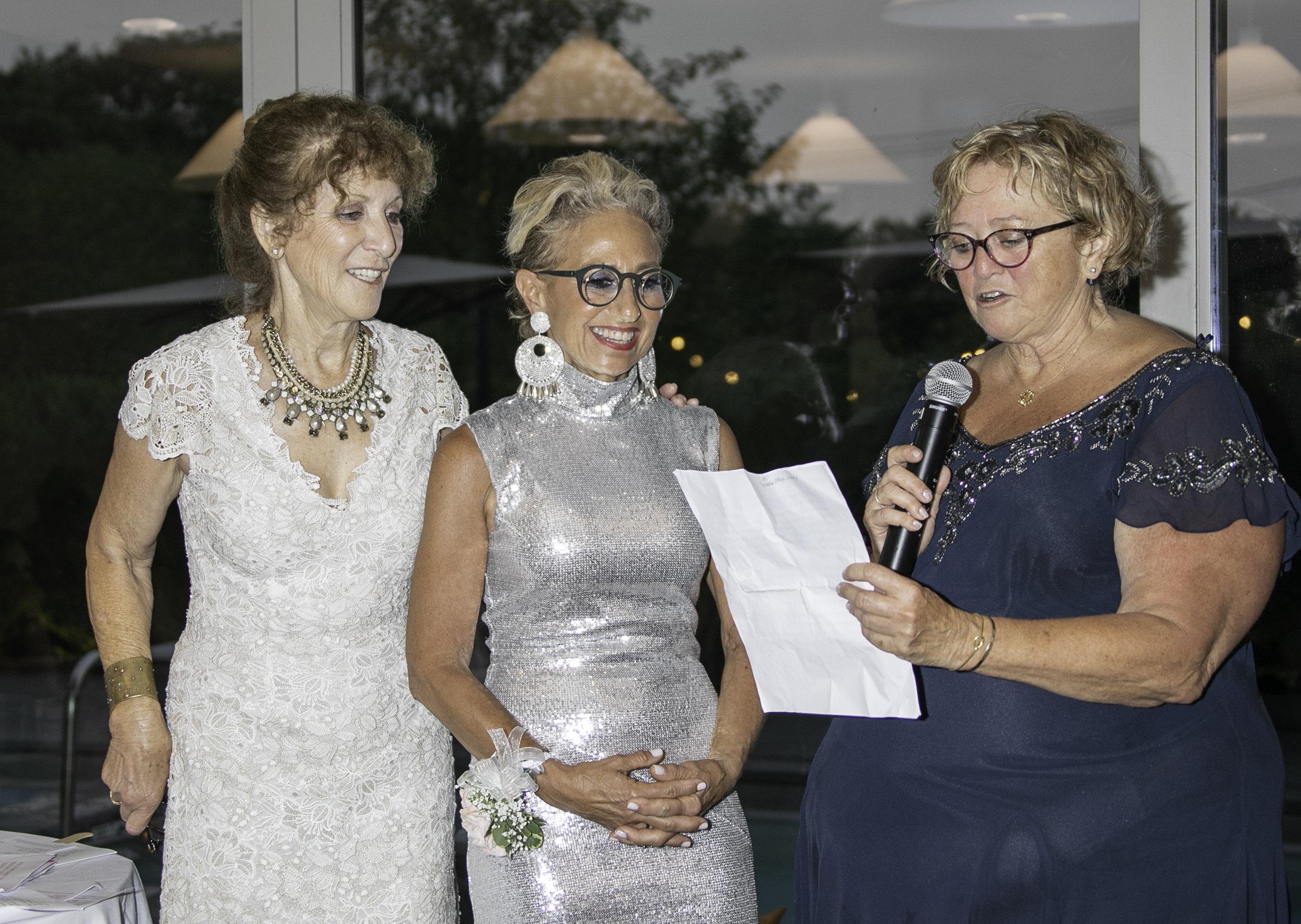 Julie Ratner (left) and Susan Roden (right) introduce honoree Jodi Wasserman (Photo: Lenny Stucker)