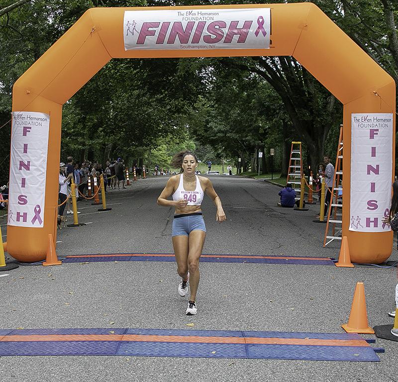 _16A0336 2018 Ellens Run female 1st place 72dpi-800w.jpg