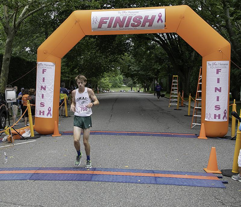 _16A0302 2018 Ellens Run winner 72dpi-800w.jpg