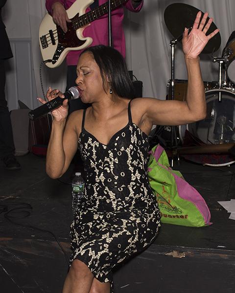 InThePink-1163 HooDoo Lounger singer 72dpi-600h.jpg