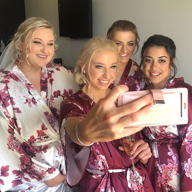 Who doesn't love a good wedding selfie. Loved looking after these girls for makeup and tanning.  Makeup & tans @kylieedwards_makeupartist  To enquire of book www.kylieedwards.com.au