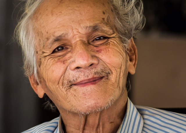 BOU MENG, A SURVIVOR FROM THE KHMER ROUGE PRISON, S-21.  PHOTO: ANITA BONNARENS