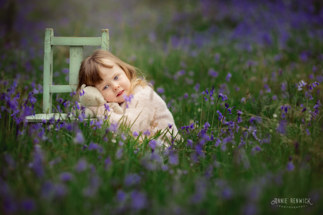 girl2-bluebell-portrait-whiddon-deer-park-devon-blog.jpg