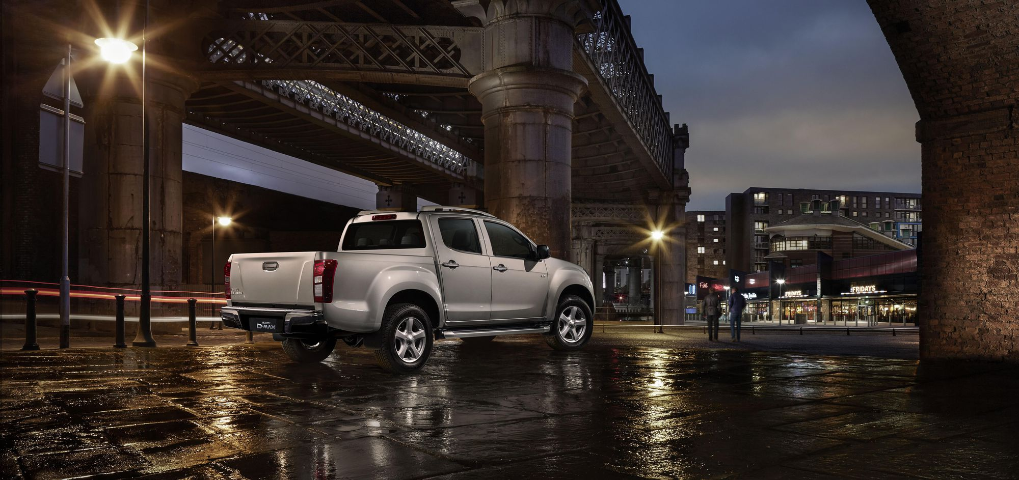 D-MAX Double Cab   Contact Us