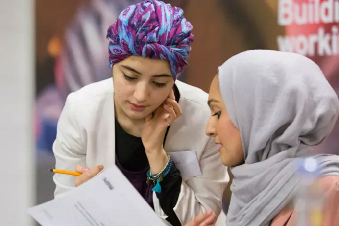 Aamira Patel (left) and Noreen Niazi, founders of Muslim Women Connect. Image credit: Raj Gedhu