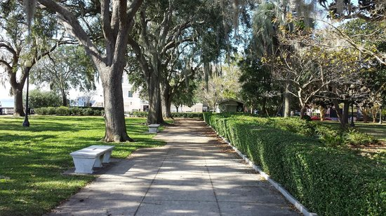 Riverside-Avondale Neighborhood.jpg