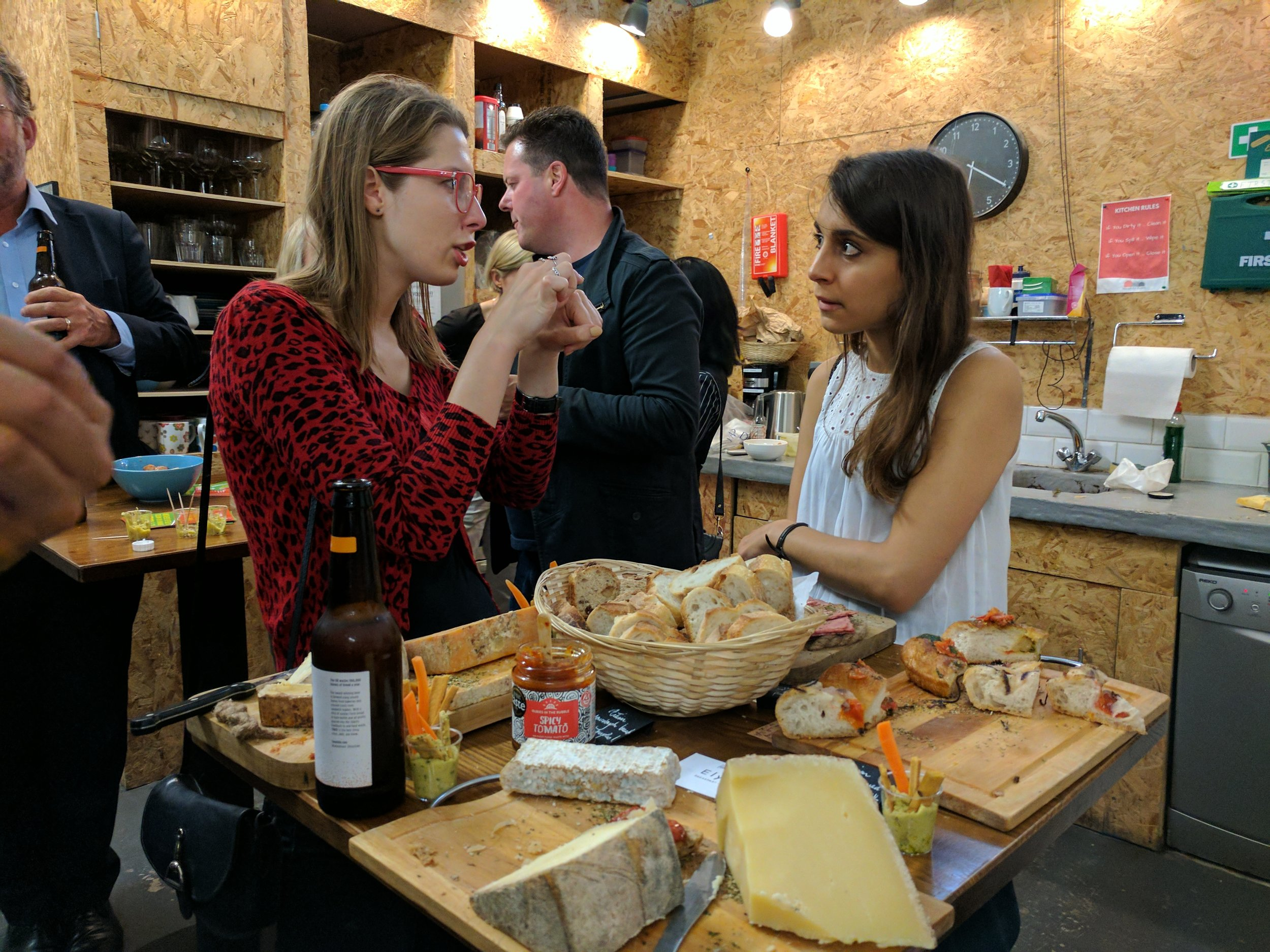 SOLVEIGA PAKŠTAITĖ  ( MimicaLAB   )  & SOPHIE ANDRE  ( ELYSIA CATERING )  AT OUR SUSTAINABLE FOOD  CROWDFUNDING PARTY