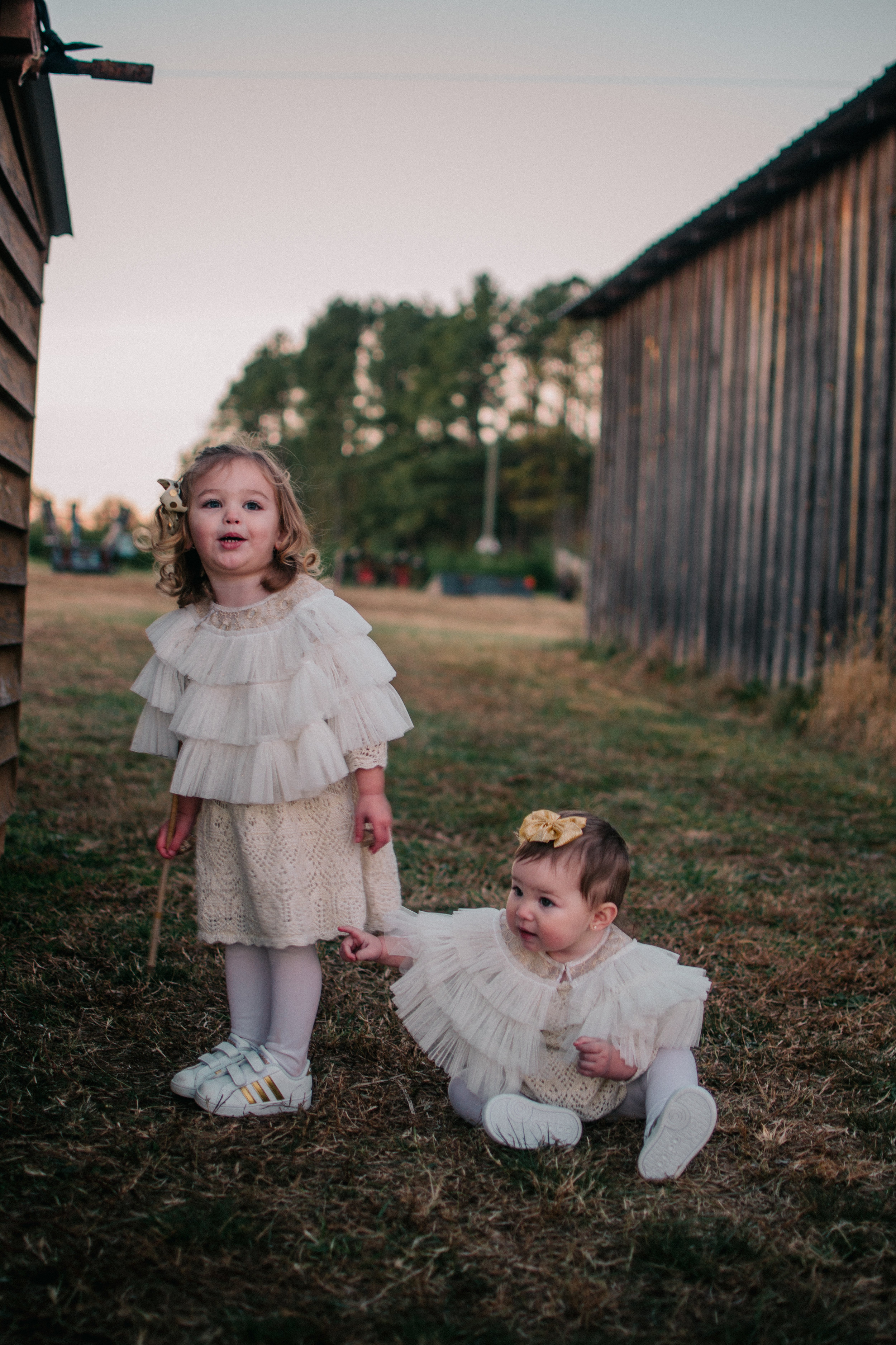 Children Portraits $150 - Phone Consultation2 hours of photographyCopyrights of all imagesCD of beautifully Edited photos Online Gallery to view your photos